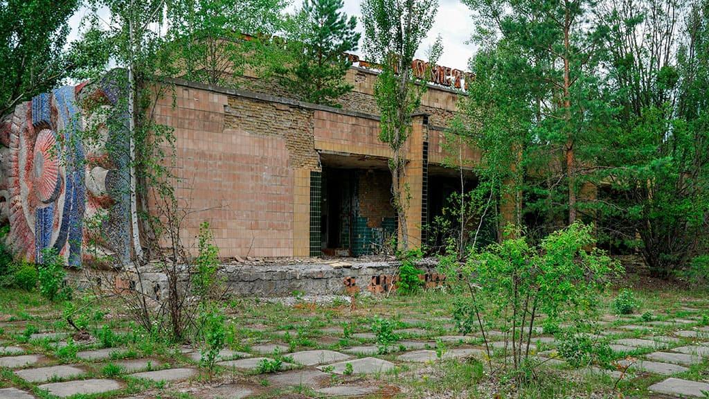 """Basen """"Lazurny"""" w Prypeci to jeden z najbardziej rozpoznawalnych zabytków strefy ChEZ"""