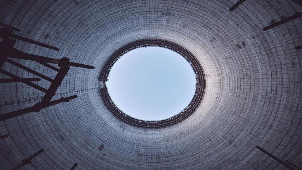 Chłodnie kominowe 5 i 6 reaktorów – jedna z głównych atrakcji Strefy